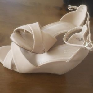 Cato Wedges
